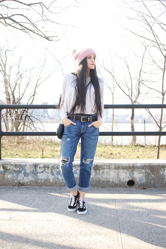 dress like jess blogger jeans shoes bag hat make-up vans sneakers beanie spring outfits