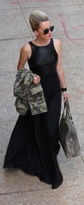 dress,black dress,clothes,classic