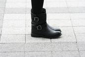 black boots,boots,biker boots,black,shoes