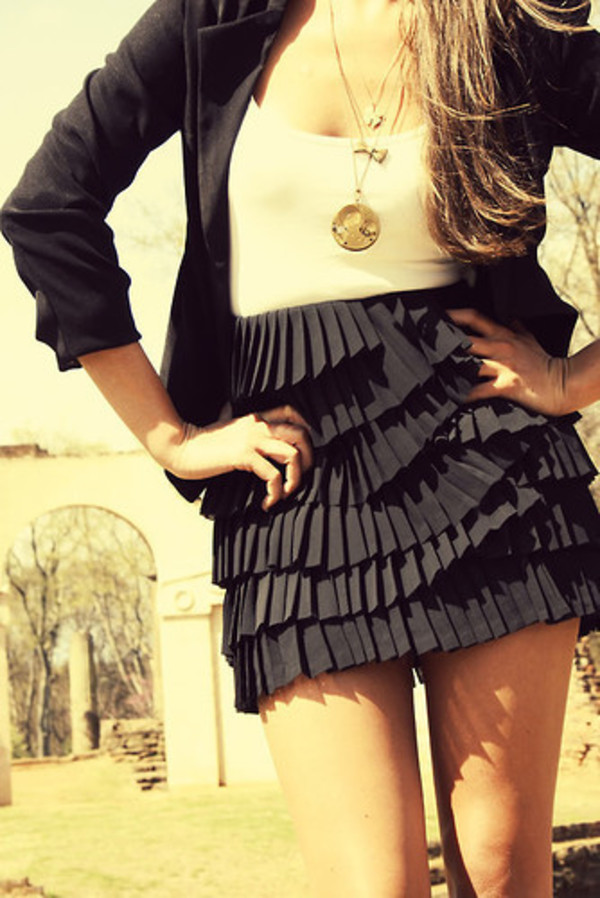 dress short dress black and white dress ruffle skirt black skirt jacket jewels shirt navy cute girly fashion girly tank top clothes tumblr clothes pinterest t-shirt sexy black ruffle skirt feminine ruffle black