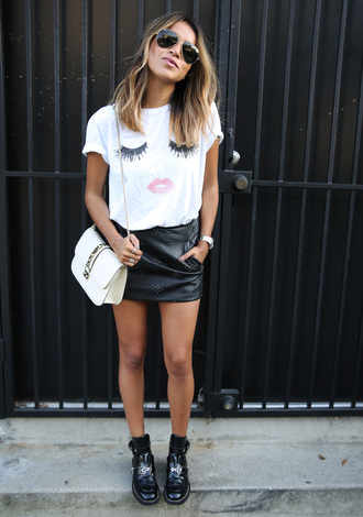 sincerely jules blogger mini skirt leather skirt white t-shirt shoulder bag summer outfits