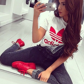 shoes red adidas adidas shoes t-shirt red shirt jeans