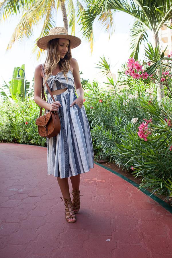 twenties girl style blogger dress bag hat shoes midi skirt straw hat summer dress shoulder bag brown bag sandals