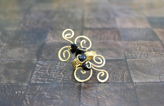 jewels gold ring ring gold and black statement ring black stone ring
