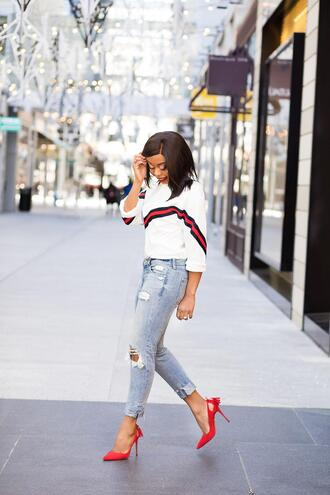 jadore-fashion blogger jeans sweater shoes spring outfits pumps high heel pumps red heels