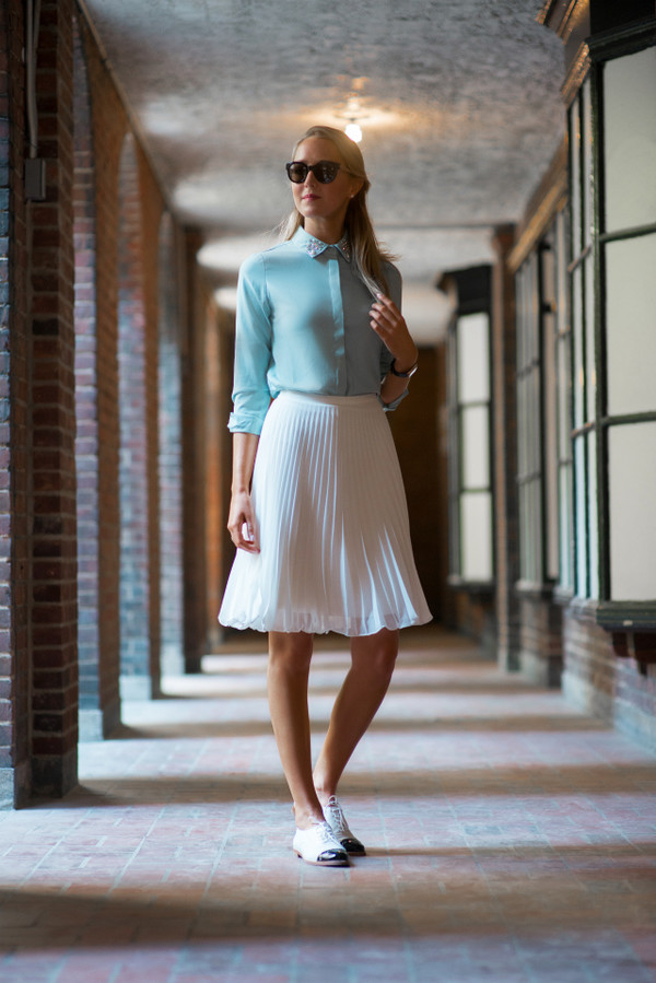 the classy cubicle skirt shoes sunglasses jewels shirt