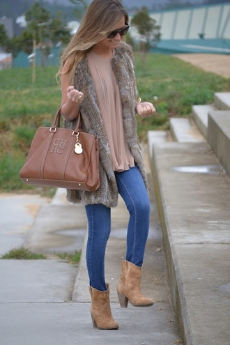 shoes ankle boots light jeans pink top shirt jeans bag jacket