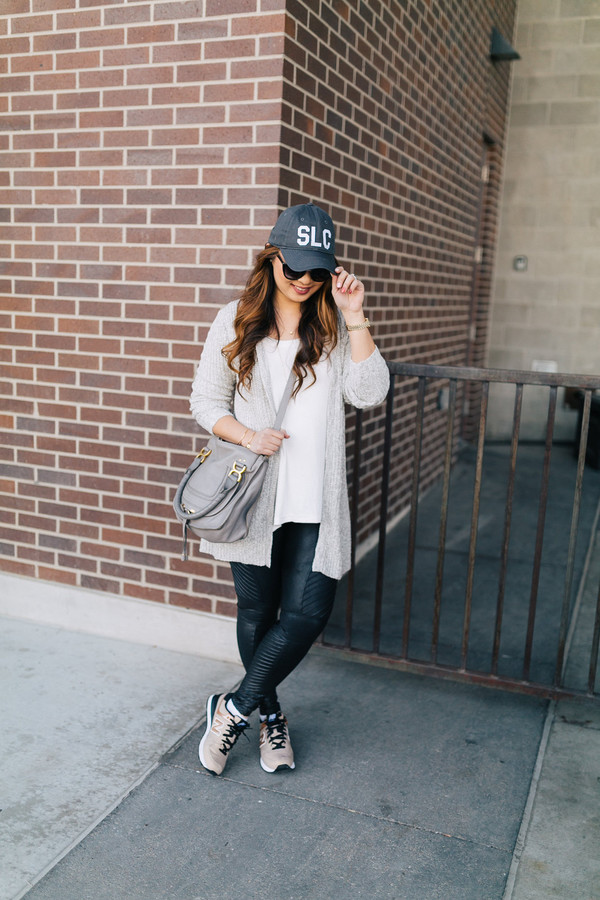 sandy a la mode blogger top cardigan leggings shoes hat bag sunglasses cap grey bag sneakers