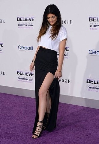 shirt kylie jenner white top crop tops skirt shoes