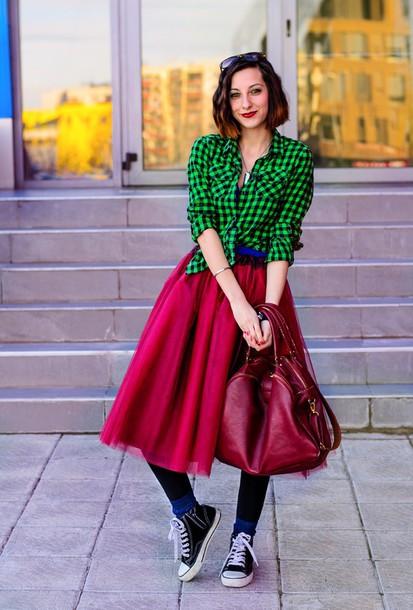 beauty insanity blogger shirt retro tulle skirt midi skirt gingham red skirt red bag
