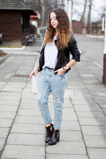 kolorowa dusza blogger ripped jeans cut out ankle boots black jacket jacket t-shirt jeans bag jewels shoes