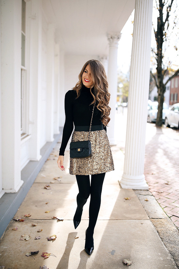 southern curls and pearls blogger skirt shoes bag tights make-up chanel bag gold skirt crossbody bag pumps fall outfits glitter skirt disco skirt sequins sequin skirt mini skirt opaque tights black bag top black top