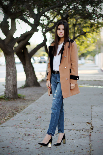 fake leather coat t-shirt jeans shoes jewels