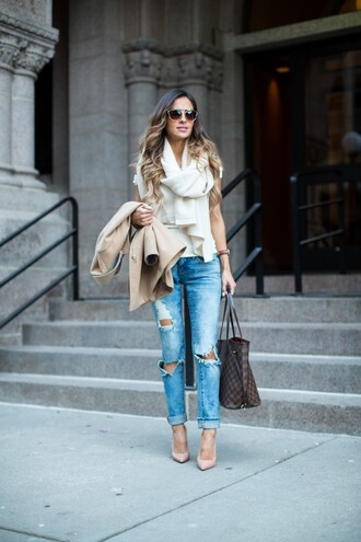 maria vizuete mia mia mine blogger scarf sunglasses jewels beige coat ripped jeans light blue jeans louis vuitton louis vuitton bag white top nude heels streetstyle topshop