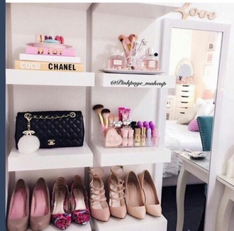 home accessory chanel dior make-up luxury