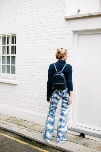 pants tumblr wide-leg pants checkered pants checkered sweater black sweater backpack black backpack top bag flare pants gingham blue sweater navy spring outfits