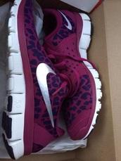 shoes,nike running shoes,leopard print,leopard nikes,nike,purple shoes