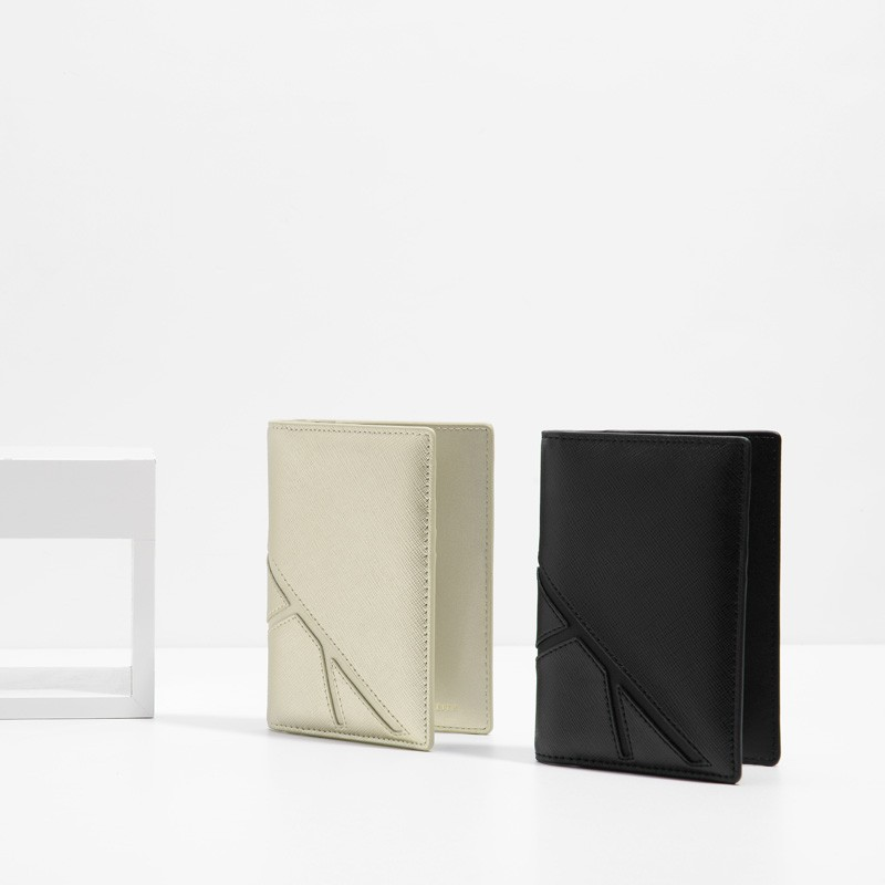 Passport Holder | CHARLES & KEITH