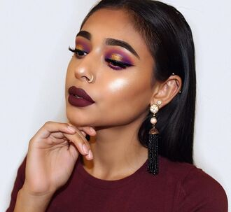 make-up burgundy lipstick