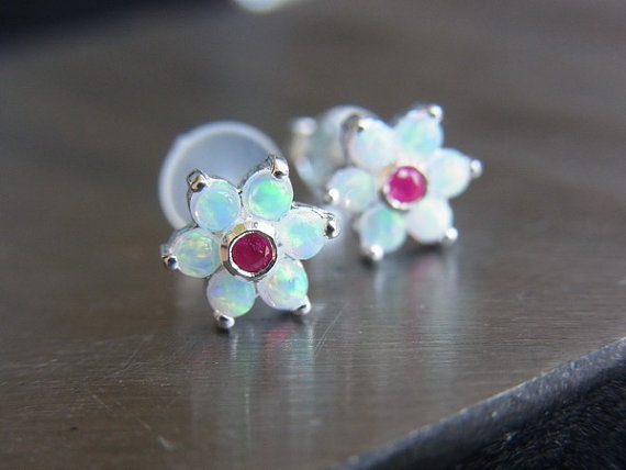 White Opal gems flower bio flexible abret / helix by PiercingRoom