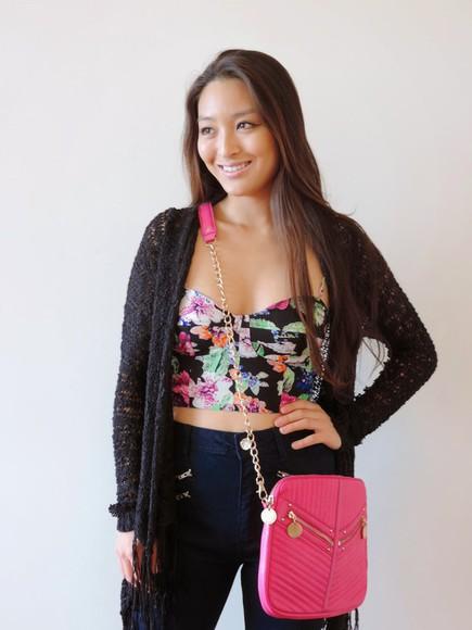 blogger floral sensible stylista cardigan bag jeans pink bustier