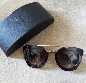 sunglasses prada black black sunglasses summer kim kardashian kylie jenner blake lively selena gomez