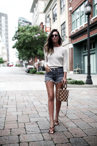 for all things lovely blogger top shorts bag sunglasses shoes jewels denim shorts summer outfits