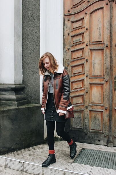 jacket tumblr leather jacket brown jacket shearling jacket brown shearling jacket shearling skirt mini skirt button up opaque tights tights boots black boots