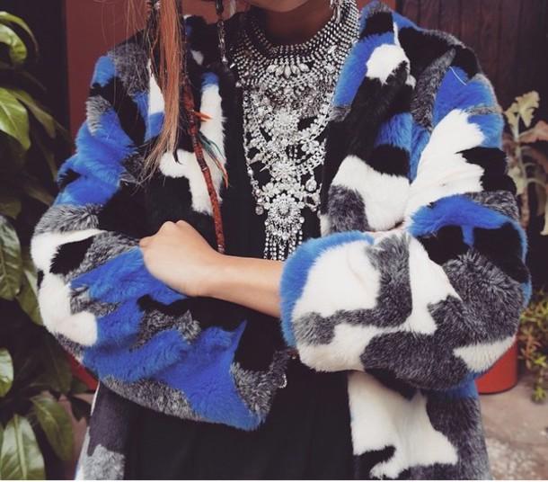 coat jacket fur print blue white black necklace faux fur statement necklace