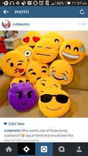 bag,emoji print,emoji pillow,pillow,smiley,love,boring,like,gorgeaus,style,emoji pants,home accessory