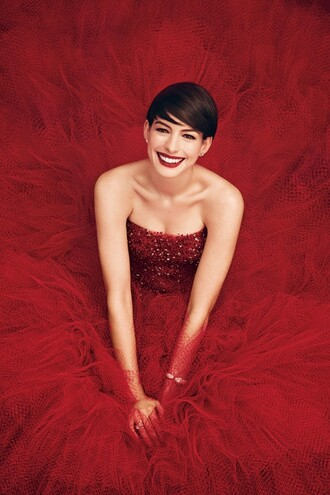 anne hathaway red dress red dress
