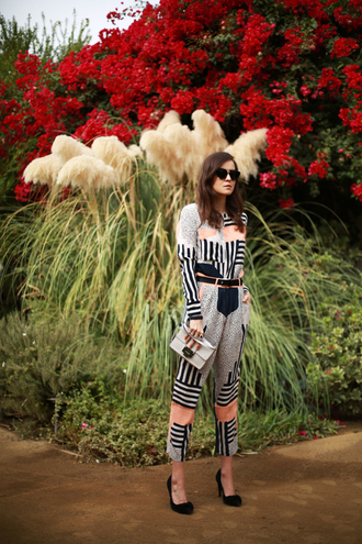 style scrapbook blogger top sunglasses cropped pants stripes stilettos clutch striped pants pants shoes bag