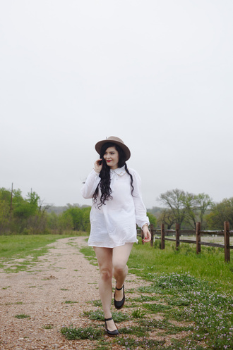 noelles favorite things blogger hat white shirt shirt dress
