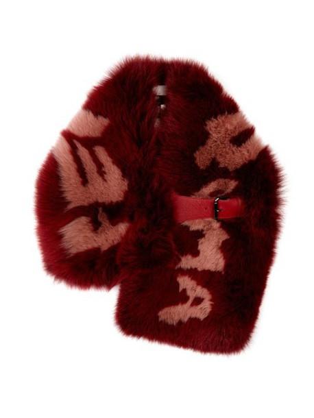 4c1cd97c FENDI Logo-print fox-fur scarf in red / multi