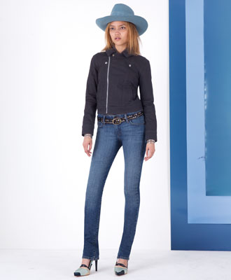 Levi's Moto Sherpa Trucker and Mid Rise Skinny Jeans - Winter Outfits