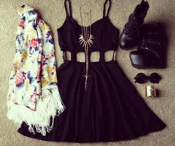 jewels necklace dress little black dress shoes coat round sunglasses bracelets plataform blouse
