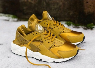 shoes huarache huaraches nike nike gold gold shoes nike running shoes nike air huaraches dej loaf chris brown dope vintage sneakers style streetwear streetstyle india westbrooks california new york city comfy kicks nike air nike shoes asics mustard