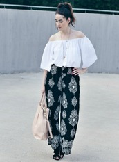 like a riot,blogger,top,pants,bag,shoes,jewels