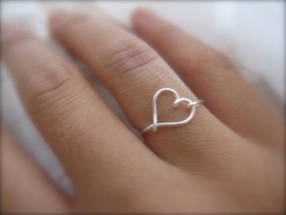 Gift  Silver Heart Ring van DesignedByLei op Etsy