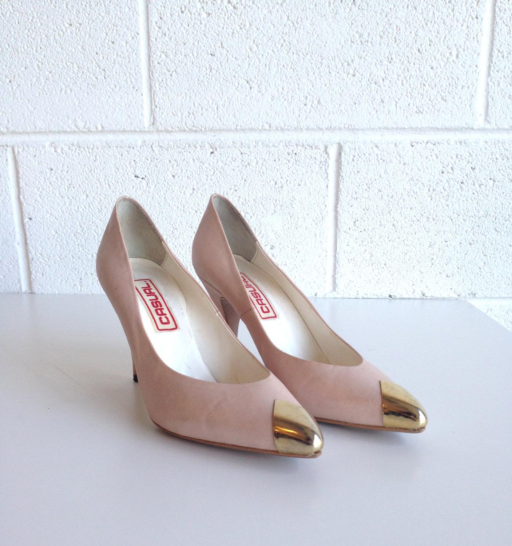 Vintage 80s blush pink   gold tipped heel