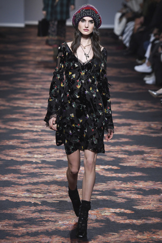 hat beanie dress runway model long sleeve dress etro milan fashion week 2016 fashion week 2016