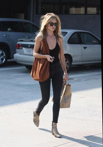 top reformation bodysuit black bodysuit jeans black jeans rosie huntington-whiteley celebrity style celebrity model model off-duty boots ankle boots flat boots bag brown bag for school sunglasses black sunglasses spring outfits mid heel boots animal face print