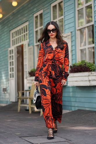 pants printed pants shoes bag wide-leg pants heels high heels black heels matching set