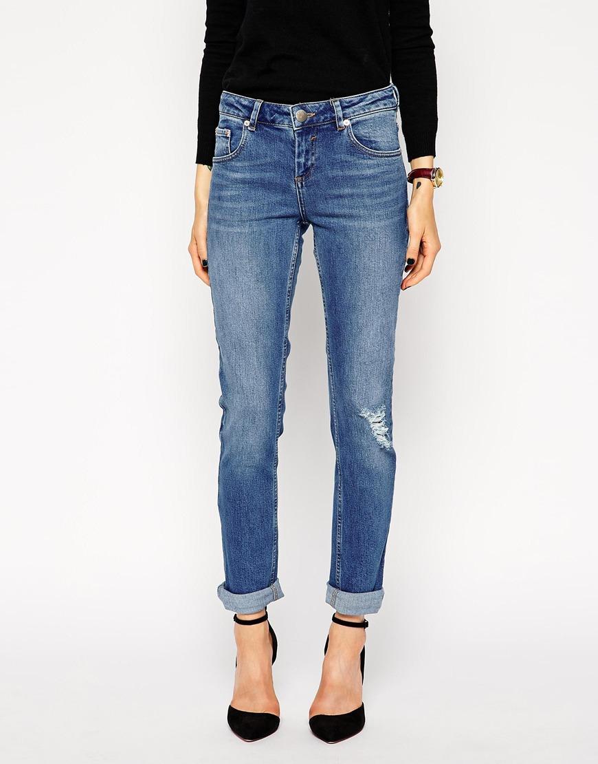 ASOS Kimmi Shrunken Boyfriend Jeans in Rio Vintage Wash With Ripped Knee at asos.com