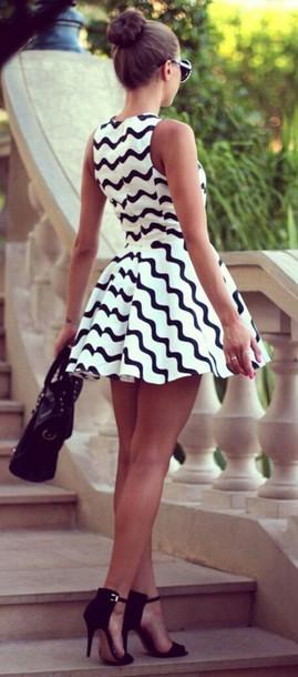 dress shoes white/black monochrome black and white pattern skater dress graduation dress black and white dress black dress bag chevron dresses fit and flare dress stripes black and white