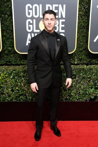 pants suit black nick jonas golden globes 2018 menswear mens shirt mens suit