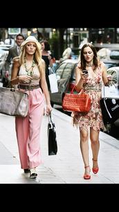pants,gossip girl blair dress,gossip girl dress,gossip girl,serena van der woodsen,blair waldorf,blake lively,leighton meester,pink pants,dress,shoes