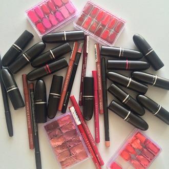 make-up lipstick pink lipstick red lipstick nude lipstick luxury luxury lipstick lips lippie mac cosmetics mac lipstick mua makeup artist makeup accessories lipstick palette lip gloss lip liner