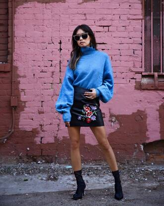 sweater tumblr blue sweater knit knitwear knitted sweater turtleneck turtleneck sweater skirt mini skirt leather skirt black leather skirt boots black boots sunglasses