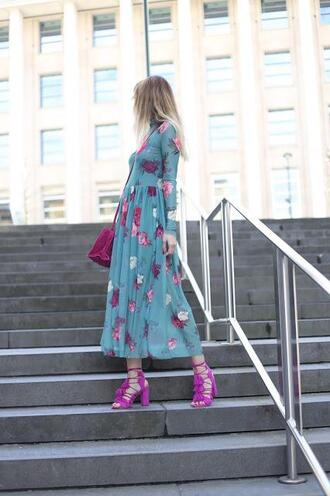 from brussels with love blogger dress shoes bag blue dress midi dress floral dress sandals purple bag spring outfits